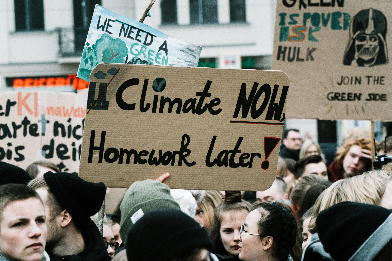 halt climate change debate - HD6000×4000
